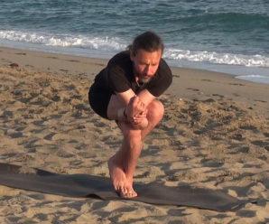 Йога у моря. Уровень от лёгкого к среднему